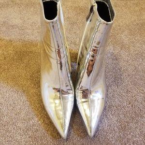Silver metallic booties size Euro 41, 11.